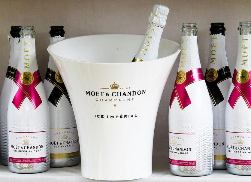 champagne moet