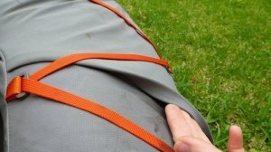 Fold over edge on side pockets help stop stuff falling out