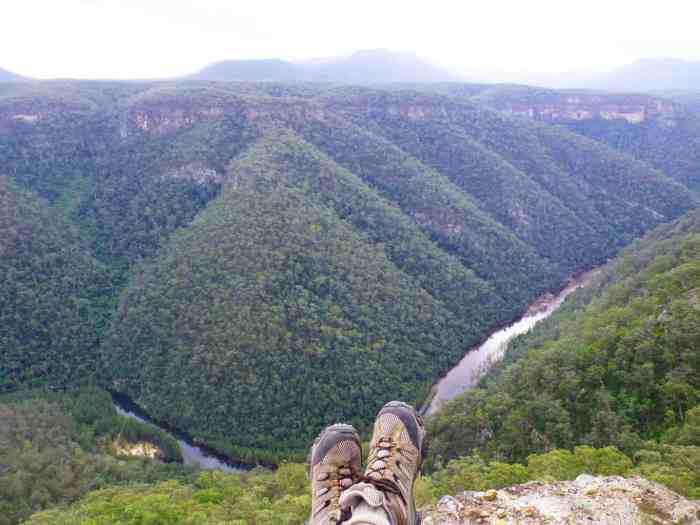 View of Black Dog Gorge and Coxs River from Mt Cookem