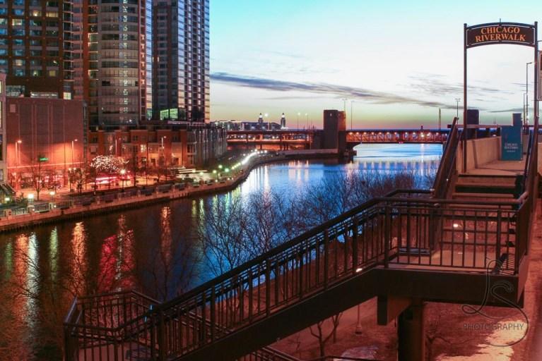 Chicago River at dawn | LotsaSmiles Photography