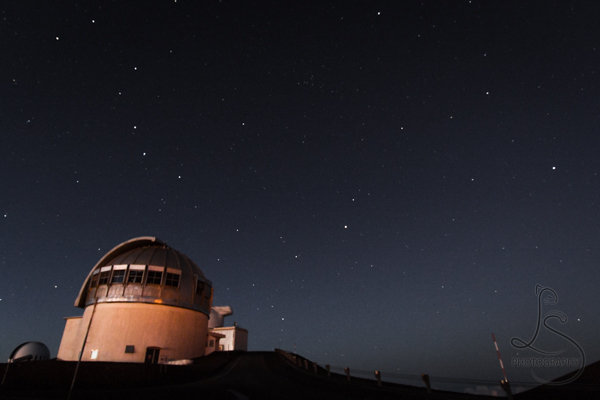 Observatory under the stars atop Mauna Kea | LotsaSmiles Photography