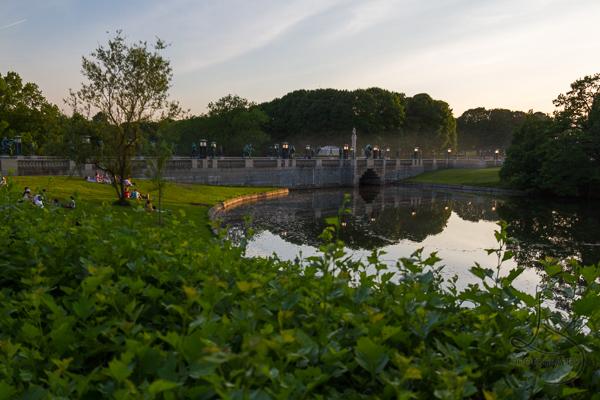 Vigeland Park at dusk | LotsaSmiles Photography