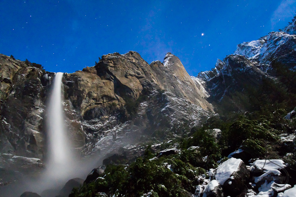 Bridalveil Falls under the moonlight in Yosemite National Park | LotsaSmiles Photography