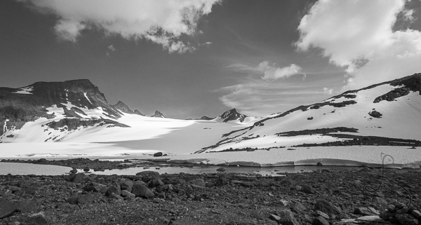 The Leir glacier, in monochrome | LotsaSmiles Photography