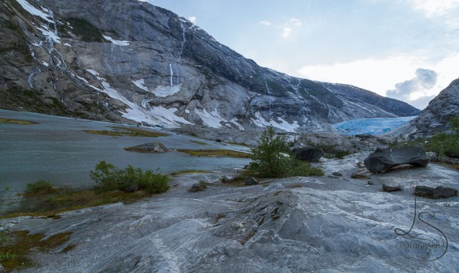 Our first real glimpse of the Nigardsbreen glacier in Norway | LotsaSmiles Photography