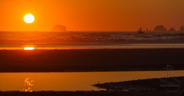 Sun setting on the Washington coast in Olympic National Park   LotsaSmiles Photography