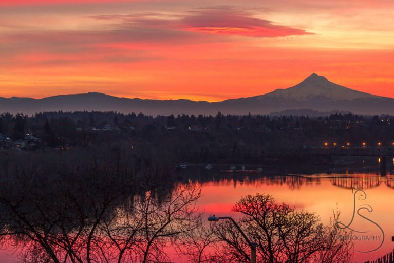 Mount Hood silhouetted against a fiery sunrise in Portland, Oregon | LotsaSmiles Photography