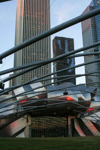 The amphitheater in Chicago's Millenium Park | LotsaSmiles Photography