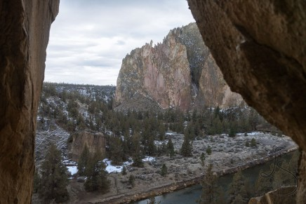 Looking out at Smith Rock from within a rocky alcove | LotsaSmiles Photography