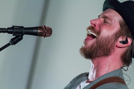 Troy Baker's amazing acoustic concert