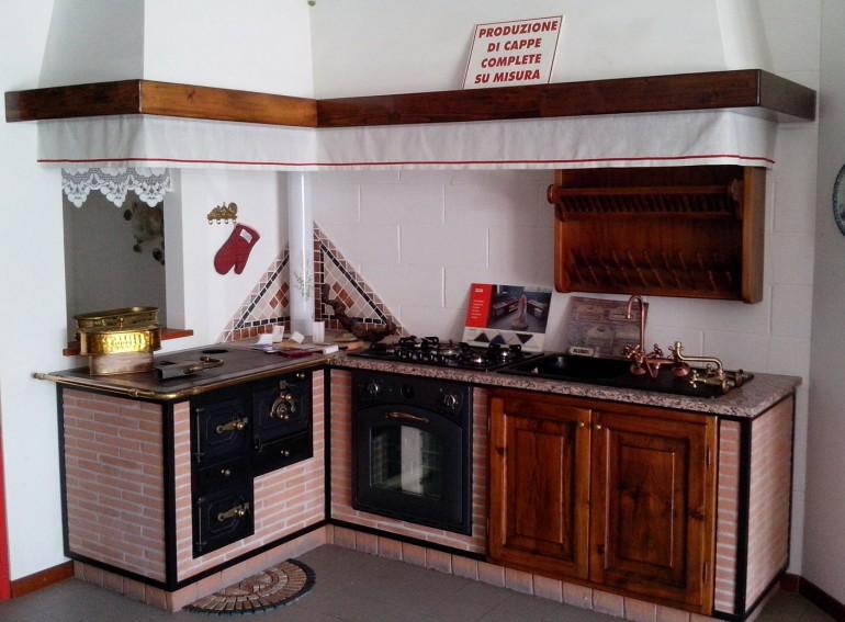 Cucina Economica A Legna In Muratura.Cucina Economica A Legna Con Cappa