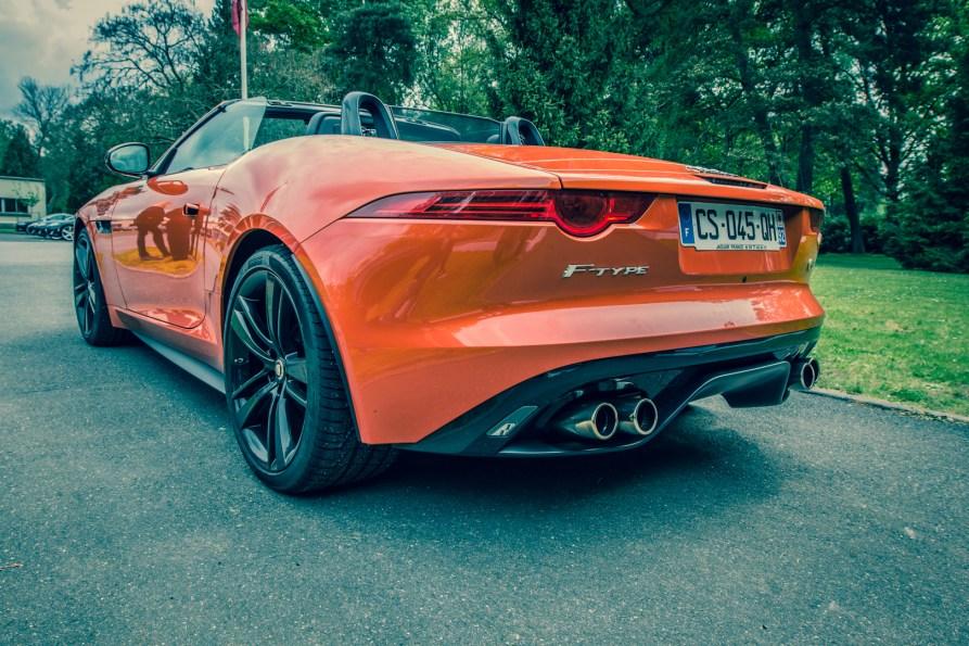 Jaguar F-Type V8