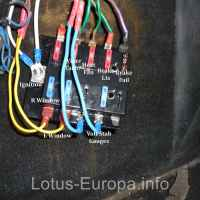 Installing a new fuse block in the Lotus Europa