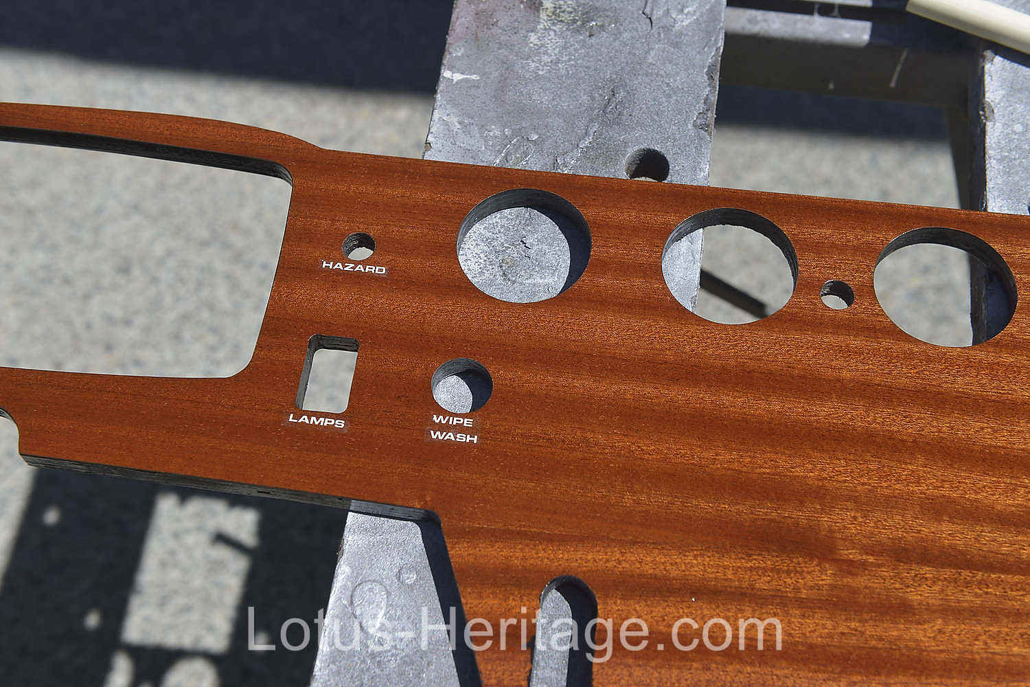 Restoring a Lotus Europa wood dash