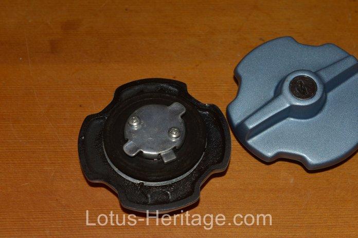 1986 Lotus Esprit Turbo fuel tank cap