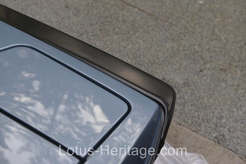 Detailing the1986 Lotus Turbo Esprit HCI front bumper