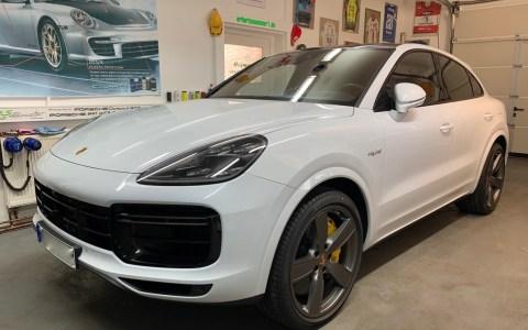 Porsche Cayenne TurboS hybrid