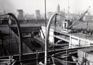 Disembarking troops - Auckland, NZ June 1942