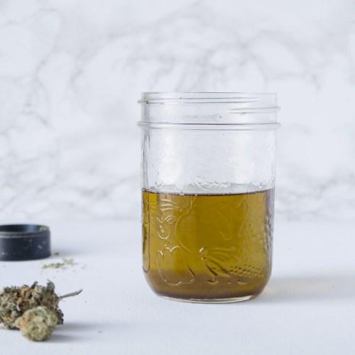 Canna-oil: The Mason Jar Method