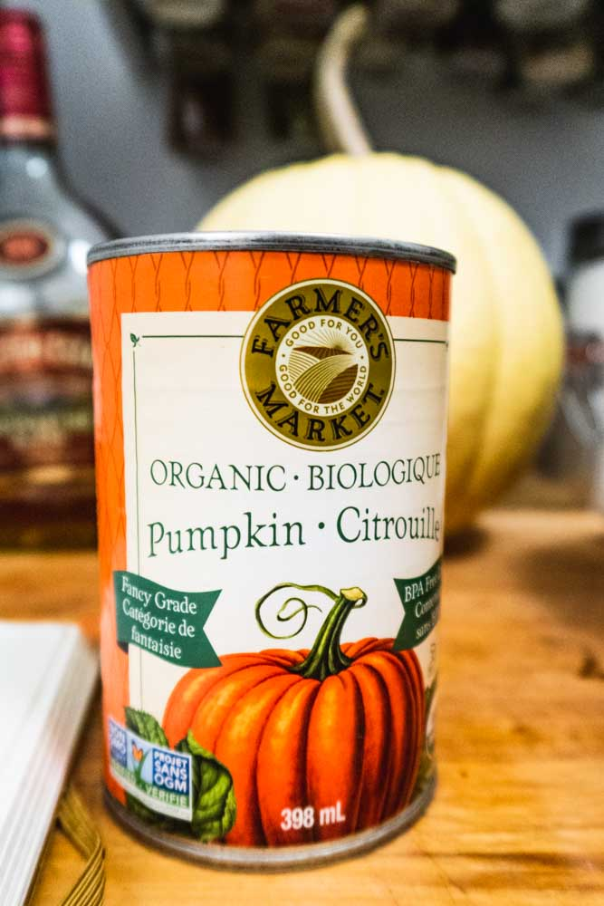 A can of 100% pure pumpkin puree
