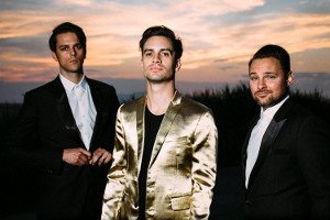 Panic at the Disco 2 artikel