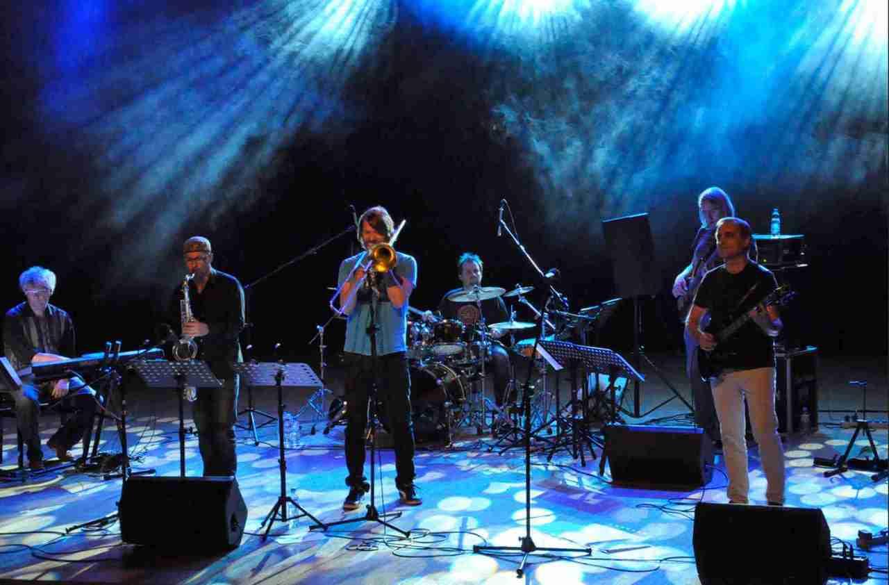 Calmness Loud Jazz Band Live