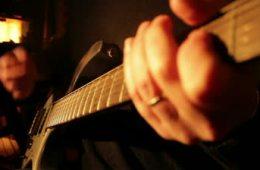 Receita para gravar guitarras grátis em casa!