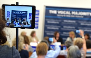 A crowd of about 200 gathered at Cascades Library to hear Gabby Giffords speak. [Danielle Nadler/Loudoun Now]