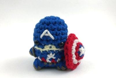 Captain America Finger Puppet Crochet Pattern - Club Crochet | 270x400