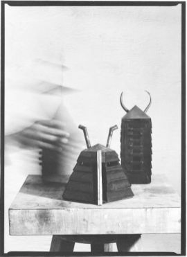 Modelle zu Sumpfobjekten | 1993, Holz/Blei/Kupfer | Höhe 30 - 40 cm