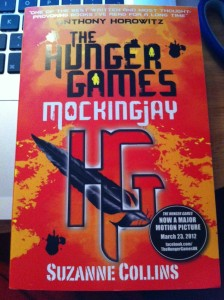 suzanne-collins-mockingjay-e1332361443499