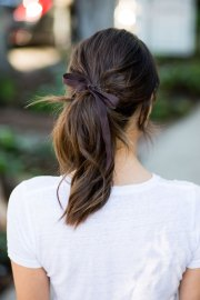 chic ribbon ponytail trend
