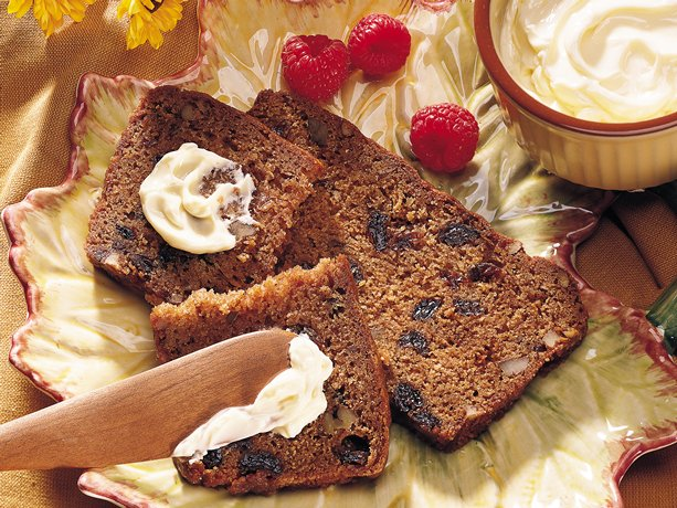 applesauce bread with raisins and walnuts