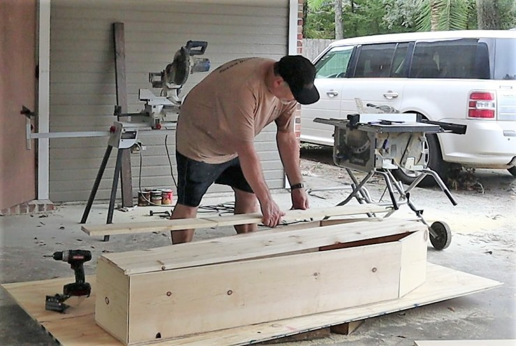 Constructing the Halloween DIY Coffin's top
