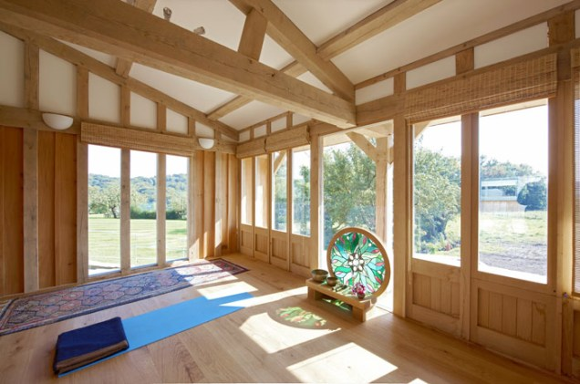 oak timber frame, timber framing, barn, oak framed barn, France, Dordogne
