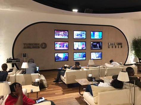 Lounge Istanbul TV wall