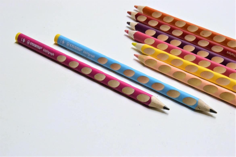 crayons easygraph materiel scolaire adapté aux gauchers