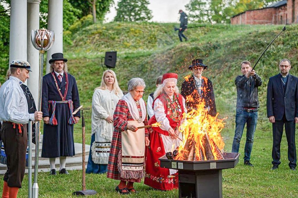 Laulu- ja tantsupeo tuli liigub Lõuna-Eestis