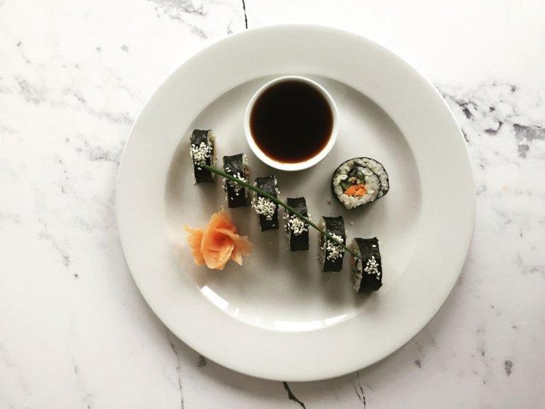 sushi Sushi z kaszą pęczak - idealna potrawa na sobotę 1