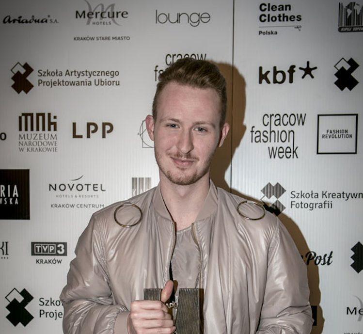 Piotr Popiołek wygrywa Cracow Fashion Awards Piotr Popiołek wygrywa Cracow Fashion Awards! 1