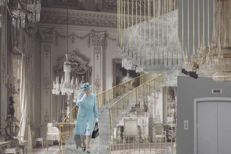 Tłum londyńczyków w królewskich salonach