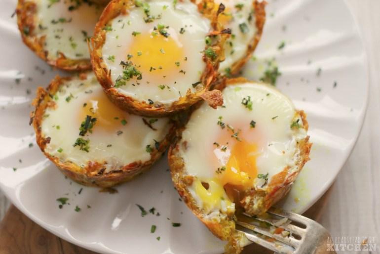 Jajka zapiekane Jajka zapiekane zmarchewkowych koszyczkach [przepis] 1
