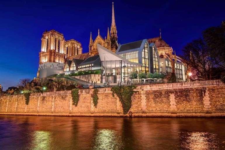 Najbardziej zaskakujące koncepcje odbudowy Notre Dame Najbardziej zaskakujące koncepcje odbudowy Notre Dame 2