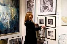 Współczesne emancypantki: malarstwo Sylwii Mużyło