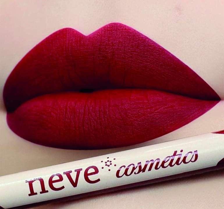 konturówka Neve Cosmetics Pod lupą: konturówka Neve Cosmetics [test] 1