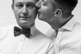 Fotografka mody Pamela Porwen zaprosiła przed obiektyw znane pary homoseksualne. Stworzyła niezwykłą galerię ślubnych zdjęć par jednopłciowych.