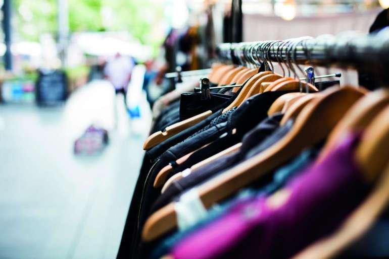 Opróżniając szafy Opróżniając szafy dbamy olepszą jakość życia? 1