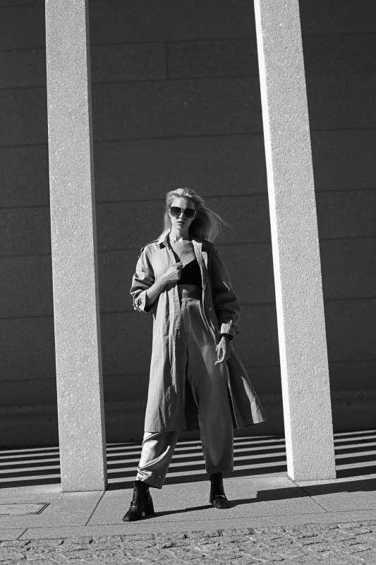 Spacer poberlińskich ulicach Spacer poberlińskich ulicach, minimalistyczna sesja Marty Macha 6