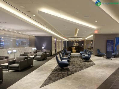 EWR-united-polaris-lounge-ewr-02800