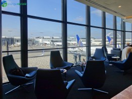 LAX-united-polaris-lounge-lax-08839-blg